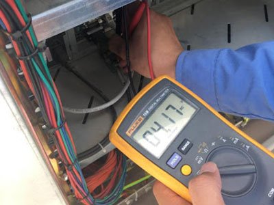 Check-current-and-voltage