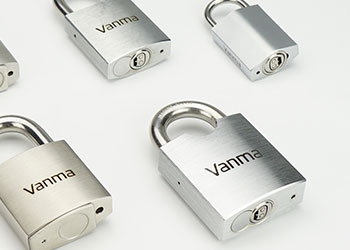 electronic-padlock